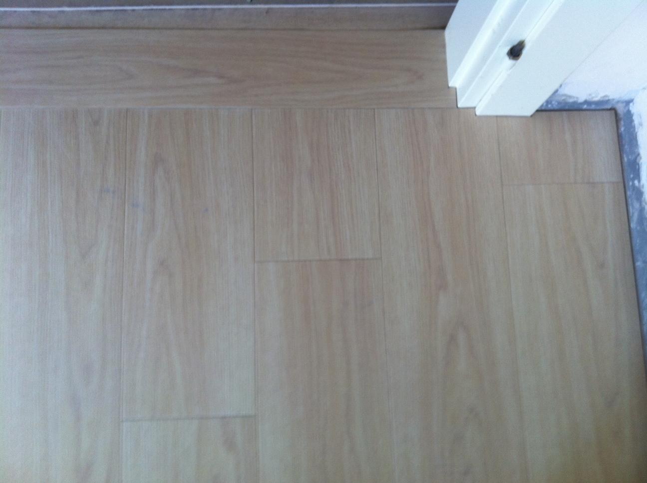 Pavimenti in pvc a doghe pier paolo vittori rimini - Piastrelle spessore 2 mm ...